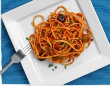 Linguine with Roast Capsicum and Tomatoes